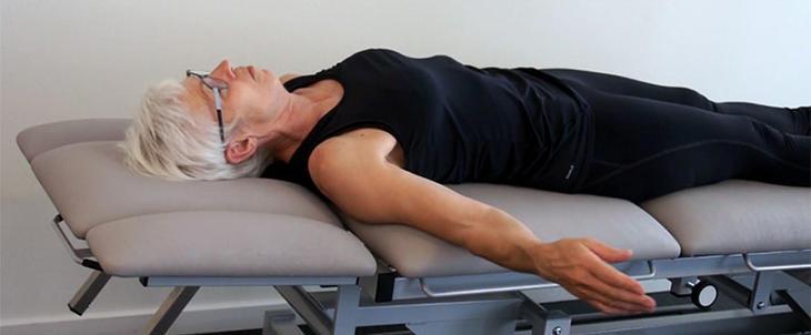 Fysioterapi: Ny selvhjelpsfilm for brystkreftopererte