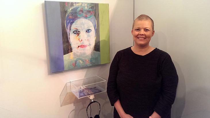 Brystkreft og håp i sterk kunstutstilling